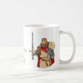 Rey Arturo Defender de la serie del reino Taza Básica Blanca