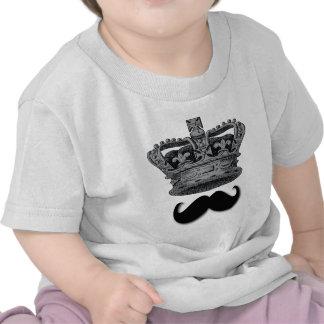Rey Crown y bigote Camiseta