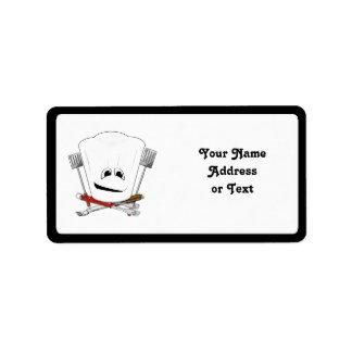 Rey de la parrilla con el gorra del cocinero y las etiqueta de dirección