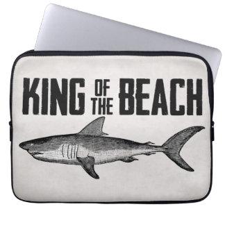 Rey de la playa del tiburón del vintage fundas portátiles