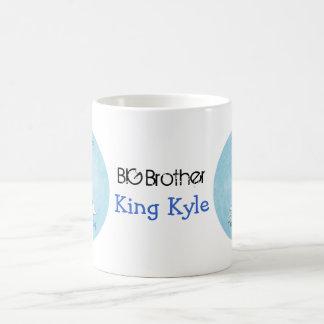Rey de la taza afroamericana de príncipe hermano m