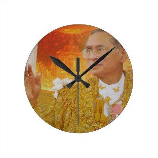 Rey de Tailandia Reloj Redondo Mediano