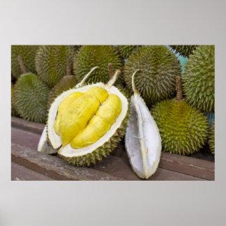 Rey del Durian de frutas en la ciudad de Singapur Póster