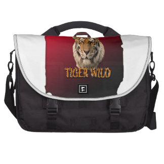 Rey Of The Jungle del tigre con el fondo Bolsas De Ordenador