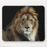 Rey orgulloso del reino animal alfombrillas de ratones