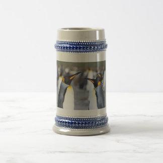 Rey pingüinos jarra de cerveza