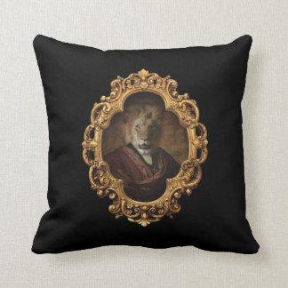 Rey real Framed Portrait Pillow del león Almohadas