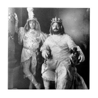 Rey y hijo del carnaval del vintage azulejo cuadrado pequeño