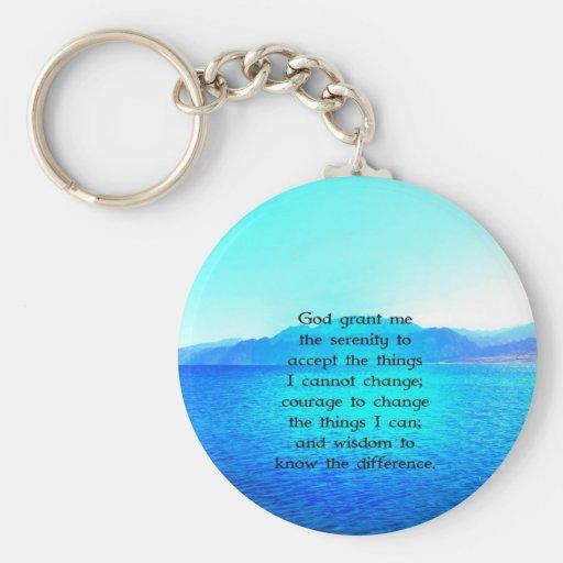 Rezo de la serenidad con el océano azul y el cielo llaveros