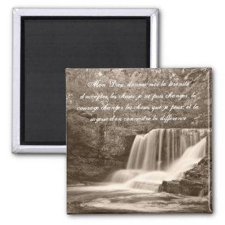 Rezo de la serenidad en imán francés de la cascada