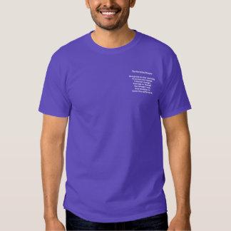Rezo de la serenidad en la camiseta oscura playeras