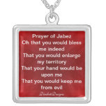 Rezo del rojo y del blanco del collar de Jabez