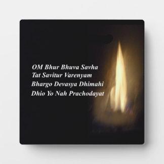 Rezo OM/Aum Bhur Bhuvah, placa del mantra de