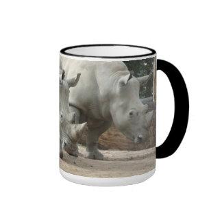 Rhinos blancos septentrionales en peligro taza
