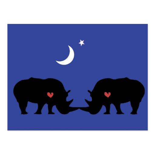 Rhinos en amor tarjeta postal