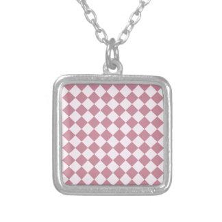 Rhombus grandes - cordón rosado y Puce Collares