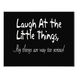 Ríase de las pequeñas cosas, refrán de motivación cojinete