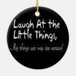 Ríase de las pequeñas cosas, refrán de motivación ornamente de reyes