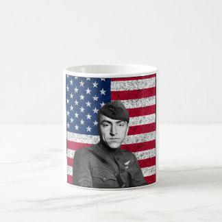 Rickenbacker y la bandera americana taza de café