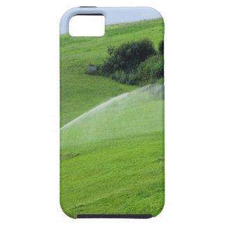 Ridge en pasto alpino con las regaderas de la iPhone 5 carcasas