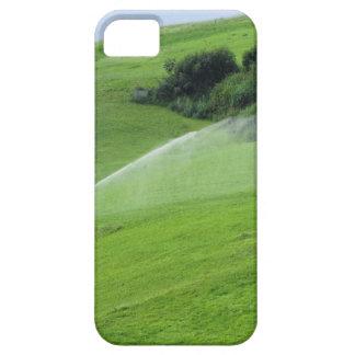 Ridge en pasto alpino con las regaderas de la iPhone 5 funda