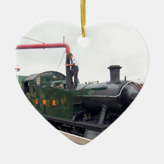 Riego de una locomotora de vapor adorno de cerámica en forma de corazón