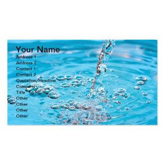 Riegue fluir en una piscina plantilla de tarjeta de negocio