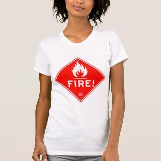 Riesgo de incendios rojo de la señal de peligro de playera