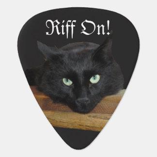 Riff en púa de guitarra del gato negro
