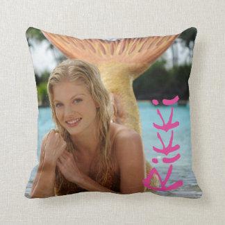 Rikki Pillow