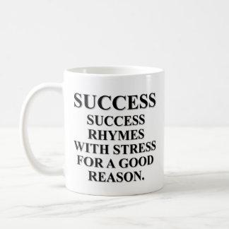 Rimas del éxito con la tensión por una razón tazas de café
