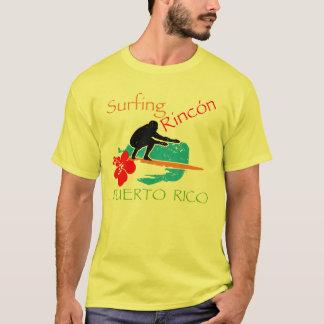 Rincón que practica surf, banda playera