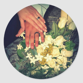 rings and bouquet classic round sticker