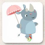 Rinoceronte con el paraguas en los prácticos de co posavasos de bebidas