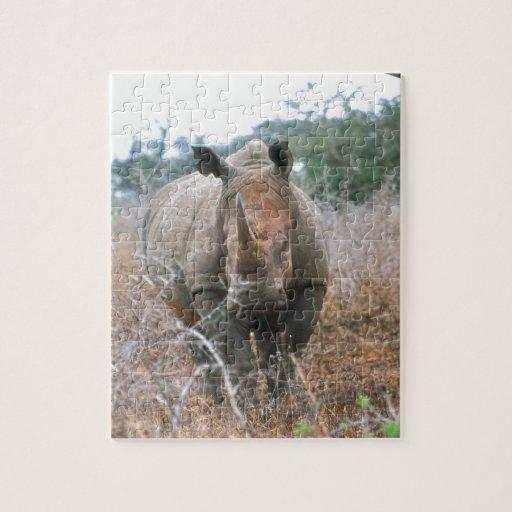 Rinoceronte de carga puzzle