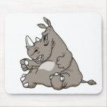 Rinoceronte duro del dibujo animado alfombrilla de ratones