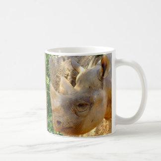 Rinoceronte joven taza