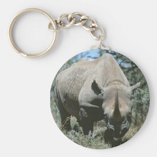 Rinoceronte majestuoso llavero redondo tipo pin