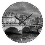 Río blanco y negro el Sena Relojes