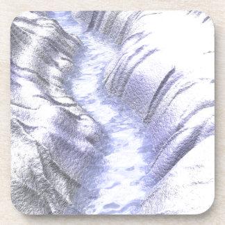 Río congelado del hielo posavaso