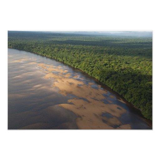 Río de Essequibo, el río más largo en Guyana, y 2 Fotos