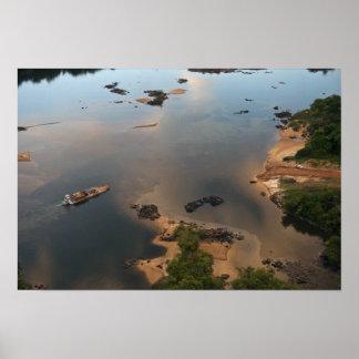 Río de Essequibo, el río más largo en Guyana, y 2 Póster