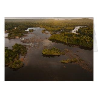 Río de Essequibo el río más largo en Guyana y 4 Tarjeton