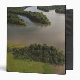 Río de Essequibo, el río más largo en Guyana, y
