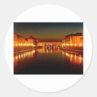 Río de Florencia en la noche Etiqueta Redonda