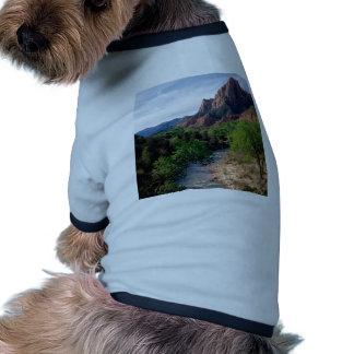 Río de la Virgen del parque el vigilante Zion Utah Camisas De Mascota