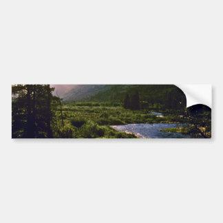 Río de las caídas - Parque Nacional de las Montaña Etiqueta De Parachoque