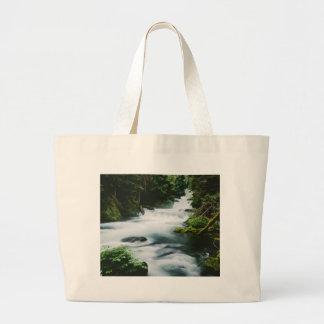 """""""Río de McKenzie en verano """" Bolsa De Mano"""