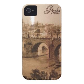 río de Moldava del vintage en la ciudad de Praga iPhone 4 Case-Mate Cárcasa