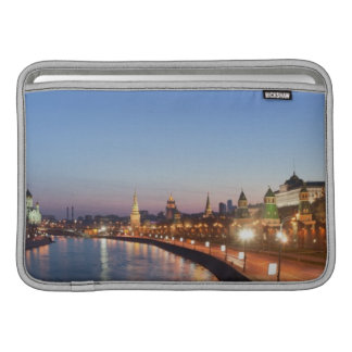 Río de Moscú en la oscuridad Funda Macbook Air
